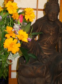 altar-cropped-with-flowers